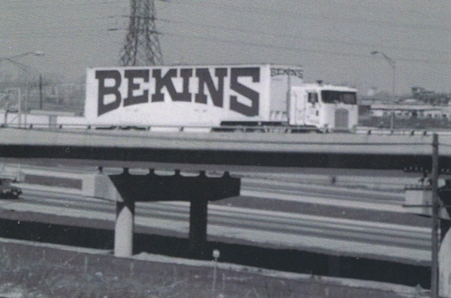 Retro - Bekins Highway Moving Truck