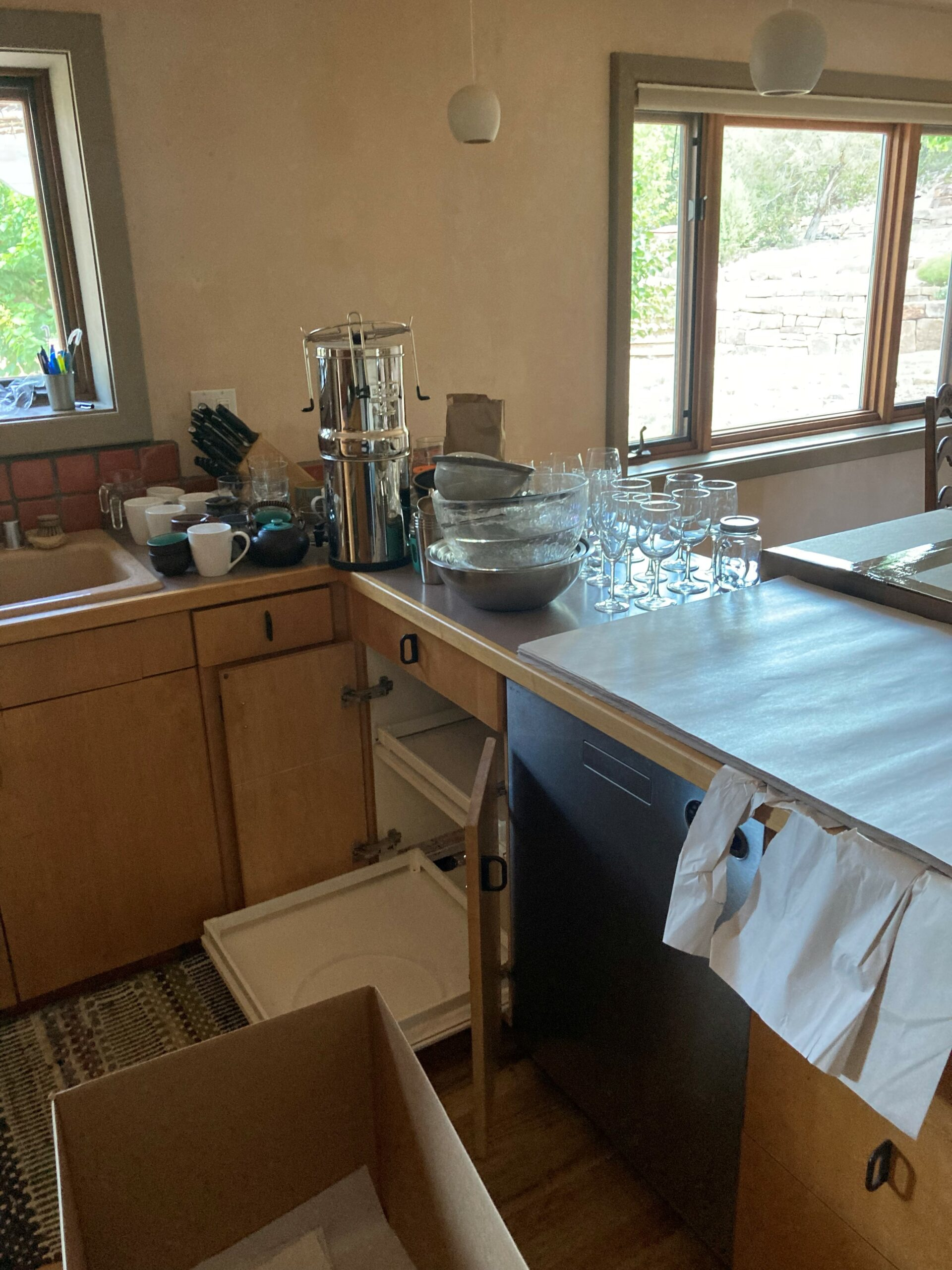 Delicate Kitchen Packing
